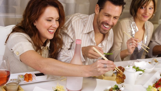 Картинки по запросу семейный ужин в кафе