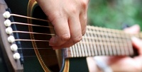 <b>Скидка до 64%.</b> Занятия поигре нагитаре, укулеле или бас-гитаре вStudio Sergio