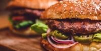 Сет изтрёх бургеров навынос или сдоставкой отгриль-бара «Вкус мяса» соскидкой50%