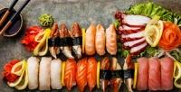 <b>Скидка до 52%.</b> Ужин ссуши-сетом, горячим блюдом, салатом, напитком идесертом вресторане «Харакири»