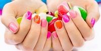 <b>Скидка до 73%.</b> Маникюр ипедикюр спокрытием Shellac, SPA-уходом или без, гелевое наращивание, коррекция ногтей всалоне красоты «Горячие ножницы»