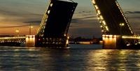 <b>Скидка до 54%.</b> Ночная экскурсия кразводным мостам Санкт-Петербурга натеплоходе откомпании «Ирбис»