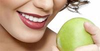 Чистка зубов AirFlow иотбеливание Amazing White вклинике «Премьер дентал». <b>Скидкадо89%</b>