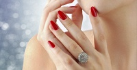<b>Скидка до 78%.</b> Маникюр ипедикюр спокрытием навыбор идизайном ногтей или без либо наращивание ногтей гелем всалоне красотыA laMode