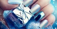 <b>Скидка до 51%.</b> Аппаратный или комбинированный маникюр ипедикюр спокрытием ногтей гель-лаком отсалона красоты «АннаМария»