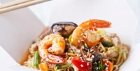 <b>Скидка до 50%.</b> Лапша или рис вкоробке wok отресторана доставки «Мир суша»