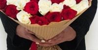 <b>Скидка до 50%.</b> До51 розы вбукете скрафтовой упаковкой или вшляпной коробке