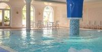<b>Скидка до 50%.</b> Отдых вКрыму наберегу Черного моря вномере категории навыбор с3-разовым питанием, посещением бассейна иоздоровительными процедурами для одного или двоих впарк-отеле «Марат»