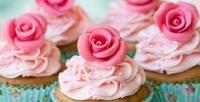 <b>Скидка до 50%.</b> Набор капкейков откондитерской Cakes byMaria соскидкой50%