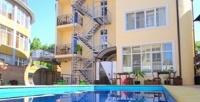 <b>Скидка до 50%.</b> Семейный отдых наЧерном море для двоих, троих или четверых стрехразовым питанием, посещением сауны или без вотеле Grand Villa