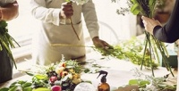 <b>Скидка до 50%.</b> Посещение мастер-класса «Начинающий флорист», «Рисуем картины изцветов», «Флористическое искусство», «Бутоньерка для жениха» или «Букет невесты» откомпании Floart