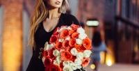 <b>Скидка до 81%.</b> Букет изгербер, лилий, орхидей, гортензий, хризантем, эустом, тюльпанов, альстромерий, ирисов, роз или розы вшляпной коробке