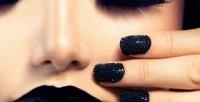 <b>Скидка до 65%.</b> Классический или аппаратный маникюр икомбинированный педикюр спокрытием ногтей в«Галерее красоты издоровья»
