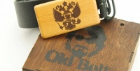 Ремень изнатуральной кожи сдеревянной пряжкой вподарочной коробке (1995руб. вместо 3990руб.)