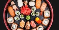 <b>Скидка до 50%.</b> Суши сет «Деливери» или горячие блюда отслужбы доставки «Кушай Суши иПиццу»