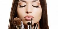 <b>Скидка до 80%.</b> Полный курс макияжа вгруппах или индивидуальные занятия инабор кистей для макияжа вмеждународной школе макияжа «Визаж Nonstop»