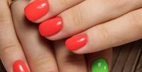 Маникюр спокрытием гель-лаком или наращивание ногтей всети студий красоты Uphair (320руб. вместо 800руб.)