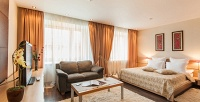 <b>Скидка до 50%.</b> Отдых вномере категории студия или люкс сзавтраками, романтическим ужином икомплиментом для двоих вотеле «Гранд Авеню byUSTA Hotels»