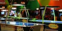 <b>Скидка до 50%.</b> До5часов игры наигровых аппаратах иваэрохоккей, посещения батута вТРК «Торговый квартал» вразвлекательном комплексе Play Day