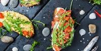 <b>Скидка до 51%.</b> Пивная вечеринка сосморребродами, картофелем фри, соусом, пшеничными гренками ипенным напитком навыбор для двоих или четверых вкрафтовом ресторане Hygge