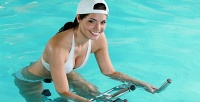 <b>Скидка до 60%.</b> До10занятий натренажере AquaBike ивакуумном баротренажере Vacuterm вWellness &SPA-студии SlimPark