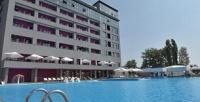 <b>Скидка до 30%.</b> Отдых вАнапе наберегу Черного моря для двоих вномере категории стандарт спитанием посистеме «все включено» вкурортном отеле Beton Brut Resort All Inclusive оттурагентства «Вик-тур»