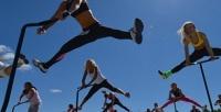 <b>Скидка до 62%.</b> До8аэробных тренировок намини-батутах сэлементами танцев под музыку всети клубов Jumping Fitness
