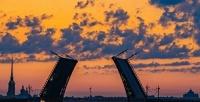 <b>Скидка до 52%.</b> Ночная прогулка наоднопалубном теплоходе кразводным мостам откомпании «Белые ночи»