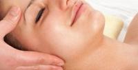 <b>Скидка до 53%.</b> Сеансы массажа или очищения кожи лица всалоне красоты «Эмми Холл»