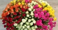 <b>Скидка до 55%.</b> Авторская композиция вкорзине, розы вкоробке, букет изроз или тюльпанов