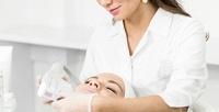 <b>Скидка до 72%.</b> Ультразвуковая имеханическая чистка лица, пилинг вмедицинском центре «Леоклиник»