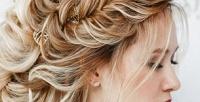 <b>Скидка до 53%.</b> Плетение греческой косы, создание локонов, укладка либо SPA-программа повосстановлению волос встудии красоты «Корица»