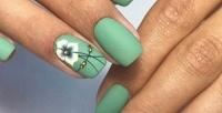Аппаратный или комбинированный маникюр спокрытием ногтей гель-лаком имассажем рук встудии красоты Eyes_on_nails (300руб. вместо 1200руб.)