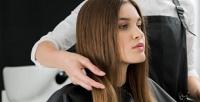 <b>Скидка до 73%.</b> Мужская или женская стрижка, окрашивание, мелирование, тонирование или химическая завивка волос всалоне красоты «Силуэт»
