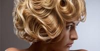 <b>Скидка до 71%.</b> Мужская или женская стрижка, окрашивание, термокератиновое восстановление волос, укладка, кератиновое выпрямление волос либо окрашивание икоррекция бровей всалоне красоты «Ягода»