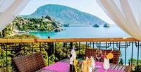 <b>Скидка до 37%.</b> Отдых напобережье Черного моря сзавтраком ипосещением бассейна вгостиничном комплексе «Веселый Хотэй»