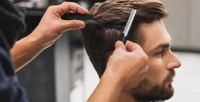 <b>Скидка до 52%.</b> Детская, мужская стрижка, бритье, оформление бороды иусов вбарбершопе Fullhouse