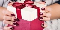 <b>Скидка до 68%.</b> Маникюр или педикюр спокрытием гель-лаком либо наращивание ногтей всалоне красоты Niklein