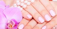 <b>Скидка до 72%.</b> Аппаратный, классический, комбинированный маникюр ипедикюр вместе или поотдельности спокрытием встудии красоты Suzu26Nail