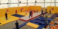 <b>Скидка до 58%.</b> 1или 2часа свободных прыжков вбатутном центре «Апельсин»