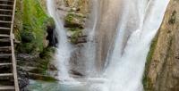 <b>Скидка до 73%.</b> Экскурсия вАбхазию «Золотой тур» либо экскурсия вСочи «Гора Ахун иАгурские водопады», «33водопада», «Красная Поляна», «Красная Поляна ипоющие фонтаны вОлимпийском парке» или «3курорта Красной Поляны» откомпании «Еду вСочи»