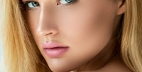 <b>Скидка до 50%.</b> Уход забровями иудаление волос налице отвизажиста Илоны Вдовиной встудии эстетической красоты Smile Room