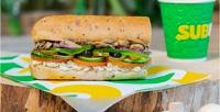 Сэндвичи игазированные напитки всети ресторанов быстрого питания Subway соскидкой50%