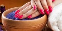 <b>Скидка до 74%.</b> Маникюр ипедикюр спокрытием Shellac иSPA-уходом, гелевое наращивание или коррекция ногтей встудии красоты Kiki