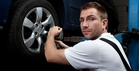 Диагностика автомобиля сзаменой масла иколодок, шиномонтаж ихранение шин наСТО «Фаэтон». <b>Скидка до60%</b>