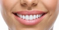 Косметическое отбеливание зубов Pearlsmile иBrilliant Smile навыбор встудии Just Smile. <b>Скидкадо62%</b>