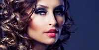 Макияж, локоны, коррекция иокрашивание бровей всалоне красоты «Афродита». <b>Скидкадо74%</b>