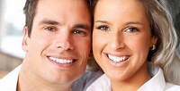 Сеансы отбеливания зубов на2–6 или 6–12 тонов всалоне White Smile Spb. <b>Скидка50%</b>