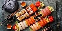 Роллы, суши инаборы ассорти вресторане доставки «Суши Тори». <b>Скидка50%</b>