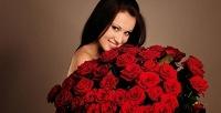 Букеты изроз итюльпанов вшляпных коробках ибез вкомпании Flowers for You. <b>Скидкадо59%</b>